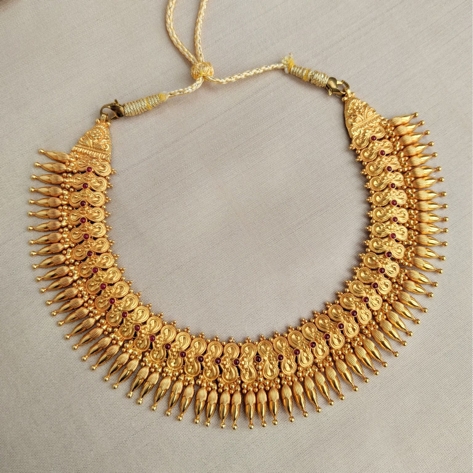 Necklace - Short - Antique Mallige with Cob Ruby | Gujjadi Swarna Jewellers